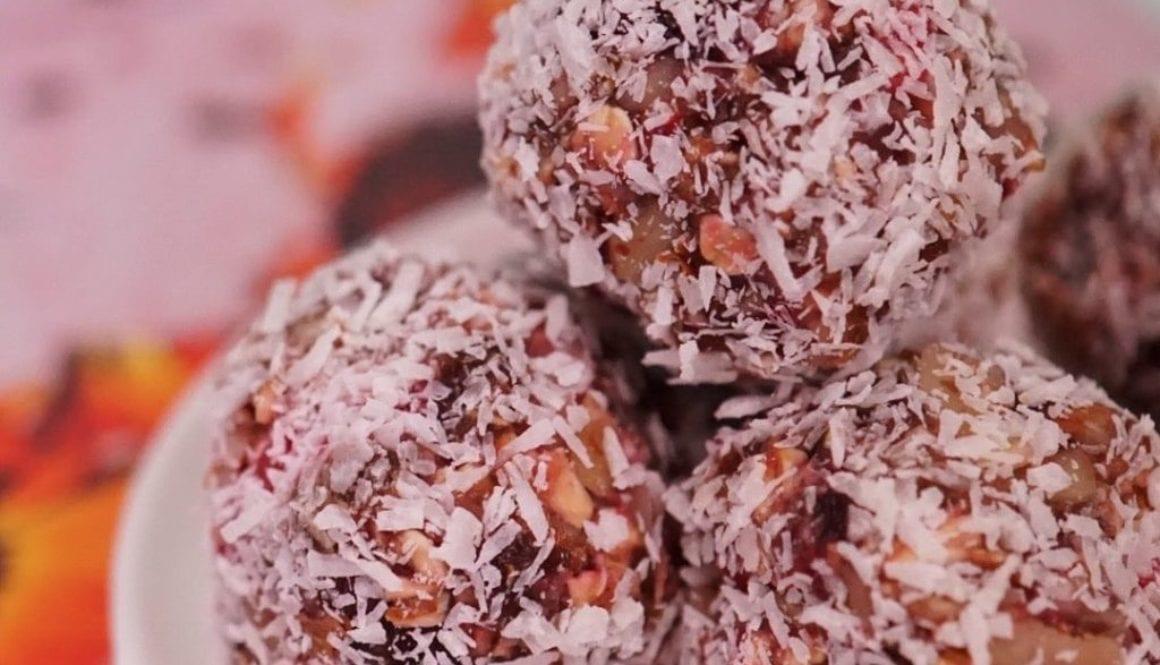 CBD Recipe: Strawberry Energy Balls